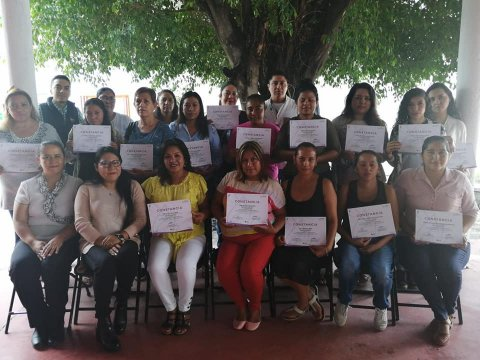 Se llevoa cabo la clausura del Curso de Asistente Educativo, así como pago de beca a beneficiarios de la vertiente de Capacitación en Micro y Pequeñas Empresas enZacatepec