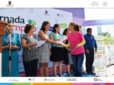 "<a href=""/1er-jornada-de-empleo-cuernavaca-2017"">SNE Morelos lleva a cabo la 1a Jornada de empleo Cuernavaca 2017</a>"