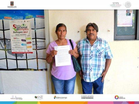 SNE Morelos entrega actas en propiedad a 30 nuevos pequeños negocios
