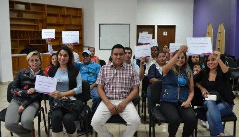 """<a href=""""/entrega-de-actas-en-propiedad-sne-octubre-2018"""">Formaliza SNE emprendimiento en Morelos</a>"""