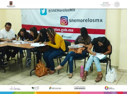 "<a href=""/entrega-de-apoyos-cpl-marzo"">SNE Morelos lleva a cabo entrega de apoyos a beneficiarios de la modalidad de Capacitación e...</a>"
