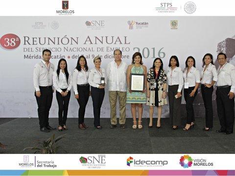Felicitan a la Mtra.Elvia Teresa Aguilar Sanders y su equipo de trabajo por el desempeño durante el 2016