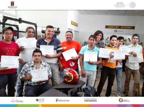 """<a href=""""/entrega-de-cursos-hojalater%C3%ADa-y-pintura"""">SNE Morelos lleva a cabo entrega de apoyos y constancias a beneficiarios del Curso de Hojala...</a>"""