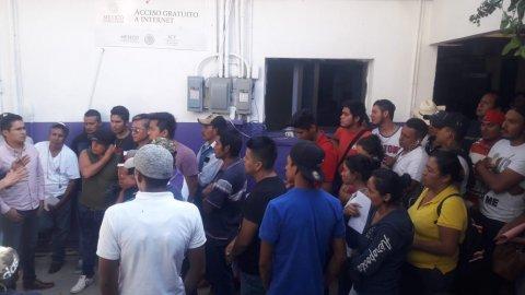"""<a href=""""/jornleros-a-jalisco-cultivo-frambuesa"""">Parten 45 trabajadores agrícolas morelenses hacia el estado de Jalisco, al cultivo de frambu...</a>"""