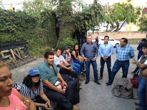 """<a href=""""/jornaleros-a-jalisco-cultivo-frambuesa"""">Parten 19 trabajadores agrícolas morelenses hacia el estado de Jalisco</a>"""