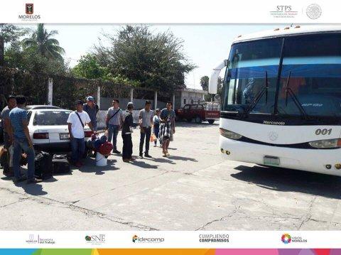 """<a href=""""/entrega-de-apoyos-jornaleros-a-sonora"""">Entrega de apoyos a 36 jornaleros con salida a Sonora al cultivo de uva.</a>"""