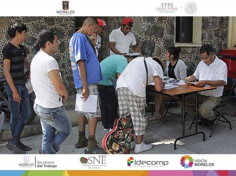 """<a href=""""/salida-jornaleros-sinaloa-corte-jitomate"""">Entrega de apoyo a 34 jornaleros que trabajarán en el Estado de Sinaloa</a>"""