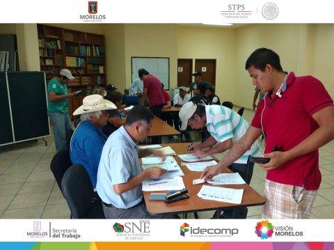 """<a href=""""/apoyos-a-jornaleros-a-sonora"""">Entrega de apoyos a más de 60 jornaleros agrícolas.</a>"""