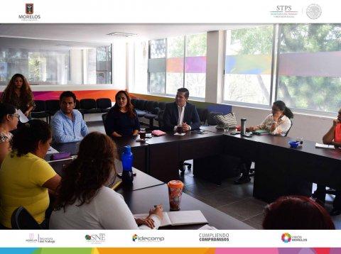 "<a href=""/reunion-en-centro-CASA"">Se promueven programas y Servicios del SNE en centro (CASA)</a>"