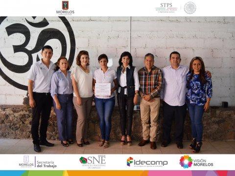SNE Morelos realizan visita a dos nuevos pequeños negocios y al curso de floristería