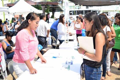 "<a href=""/noticias/cerca-de-500-buscadores-de-empleo-se-dieron-cita-en-emiliano-zapata"">Cerca de 500 buscadores de empleo se dieron cita en Emiliano Zapata</a>"